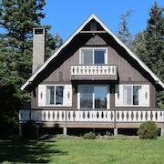 Bass Harbor Oceanfront Chalet: Peaceful, Private, Great On-the-ocean View