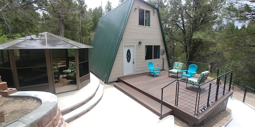 Zion's Cable Mountain Trail Head Cabin Sleeps 13 Boarding Zion National Park