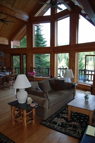 Beautiful Cabin Sits on 'wild and Scenic' Flathead River