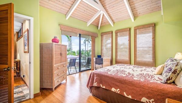 4 bedrooms, desk, iron/ironing board, WiFi