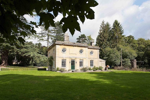 5 Renovated Luxury Cottage IN Blenheim Palace Park, THE Cotswolds