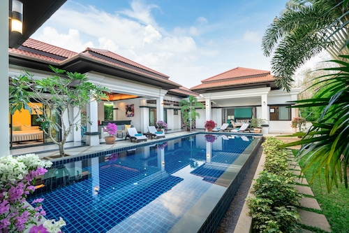 Villas Luxury Holidays Phuket