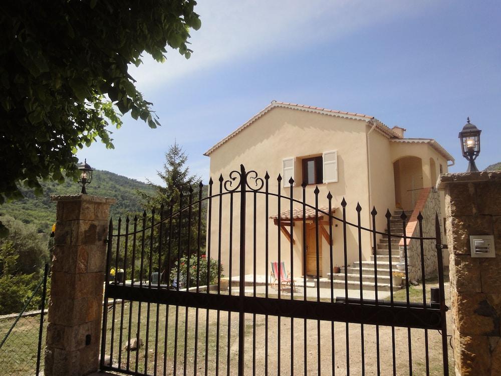 La Maison de Noélie - rez de jardin in Cannes   Hotel Rates ...