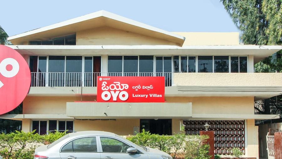 OYO 12237 Luxury Villas