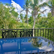 Just 20 Miles From Key West! Oceanfront, Dockage, Kayaks, Swimming Pool