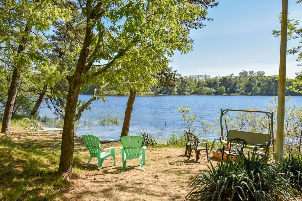 , #408: Newly Renovated on Minister's Pond, Steps From Sand & Water! DOG Friendly!