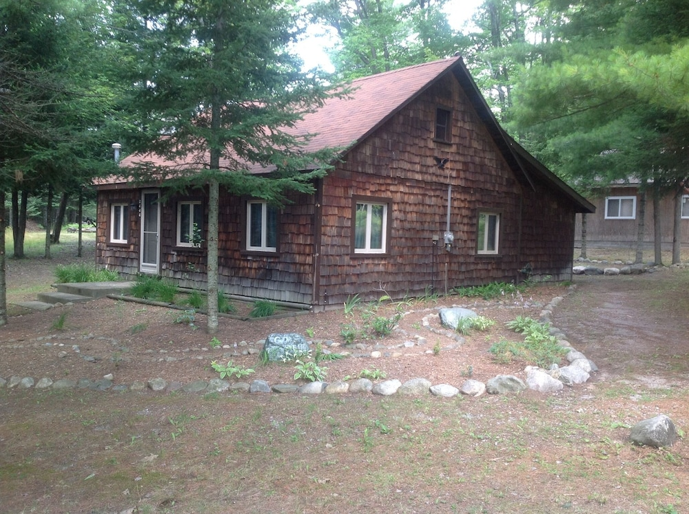 , Rustic Up North Cabin Minutes From The Au Sable River