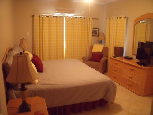 St. Kitts , Frigate Bay Beautiful Condo Overlooking Atlantic Ocean