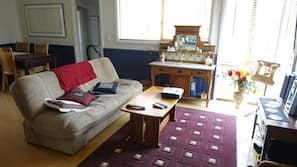 TV, fireplace, DVD player, table football