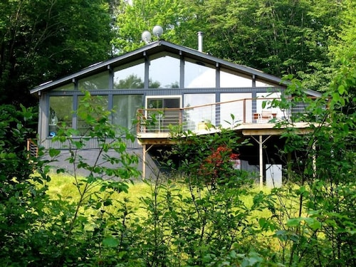Designer Mountain Cabin w/ Heated Pool 10 Acres Catskills Livingston Manor