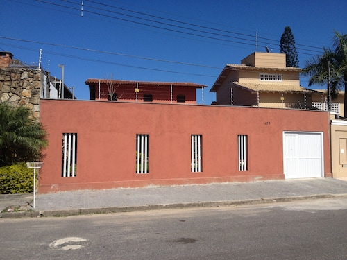 House 40 m From the Beach of Enseada With 3 Suites, Sleeps 12 People