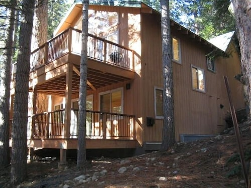 Riverfront Luxury Cabin, Dodge Ridge, Strawberry, Pinecrest
