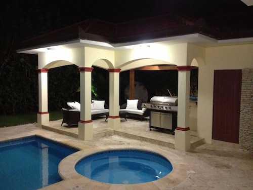 Luxury Villa -5 Bedrooms Bavaro/punta Cana