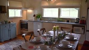 Fridge, microwave, oven, dishwasher