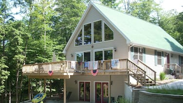Waterfront Chalet Nestled Between Hamlin Lake And The Manistee National Forest