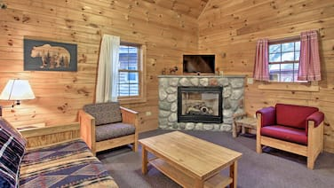 Pet-friendly Family Cabin at the Double JJ Resort!