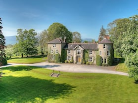 Luxury Irish Castle in Gorgeous Country Setting in Tipperary