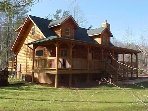 Log Cabin Jan-feb Rates Reduced!. Private Gated Community With Walking Trails!