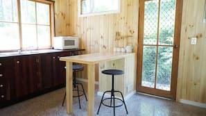 Fridge, oven, hob, toaster