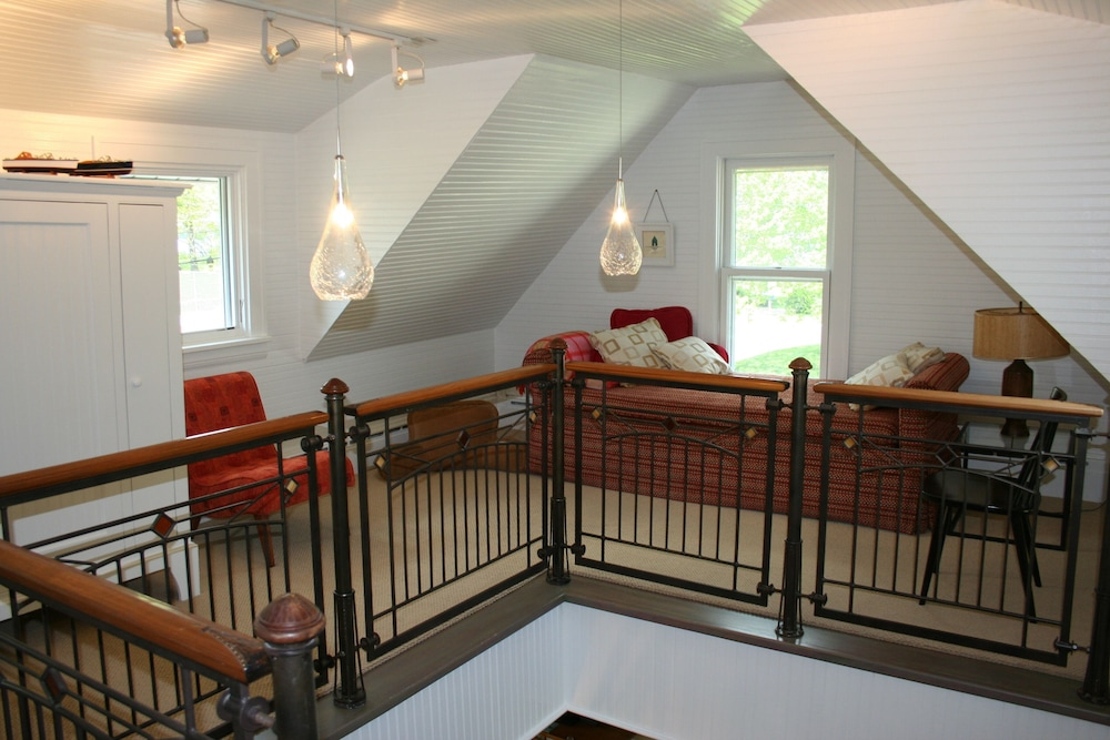 Room, Charming Bead-board Cottage in Historic Excelsior on Lake Minnetonka