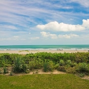 Direct-oceanfront 2 Bedroom Condo Located in Downtown Cocoa Beach!