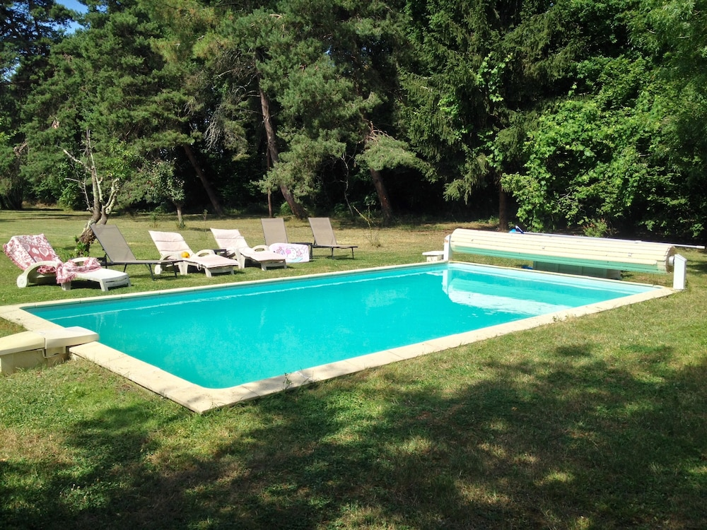 Pool, Holiday Villa - Cognac Vineyards - Swimming Pool for 6 Adults 2 Children