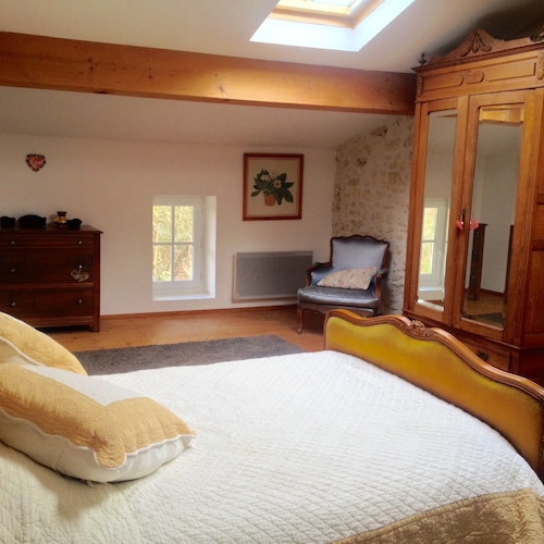 Room, Holiday Villa - Cognac Vineyards - Swimming Pool for 6 Adults 2 Children