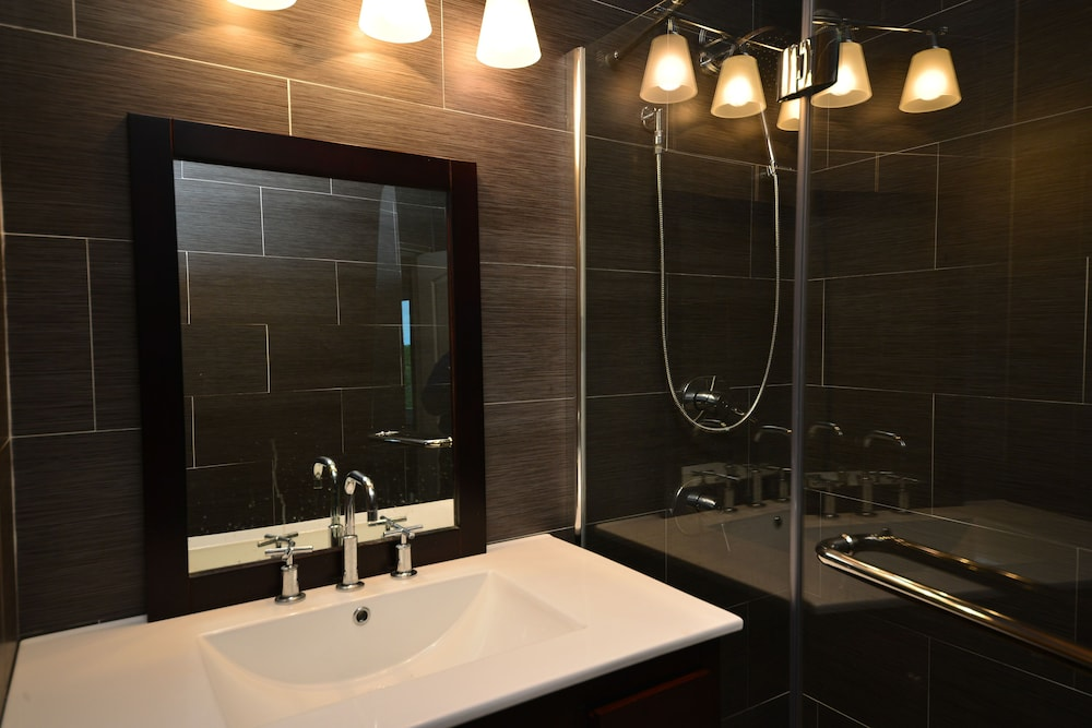 Bathroom, 5-star, Luxury, Private Accommodation