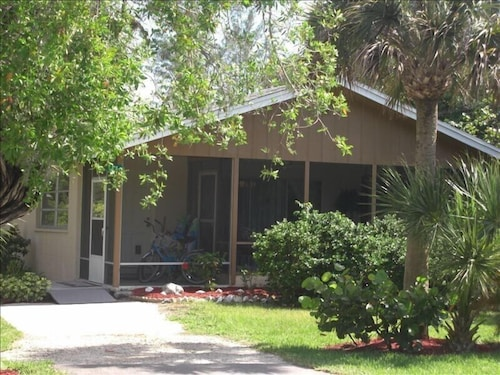 Fabulous Best Sanibel Cottages For 2019 Find Cheap 107 Cottage Home Interior And Landscaping Pimpapssignezvosmurscom
