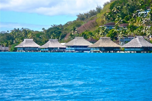 Bungalow one - Brando's World Famous Over Water Bungalow in Bora Bora!