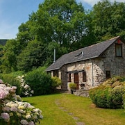 Cwm Bach Barn - One Bedroom House, Sleeps 2