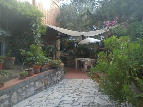 Flat Under Pinewood With Garden - Marina di Grosseto,grosseto