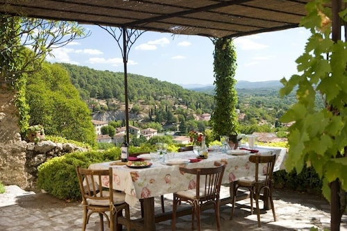 The Dream of Provence in 1700th With Beautiful View