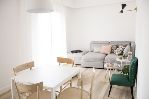 Apartment 14 10 - Design Space on the Outskirts of Rome, max 6 p. Parking Space
