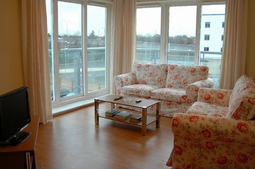 Attractive & Comfortable Apartment in Sunbury-on-thames, West London