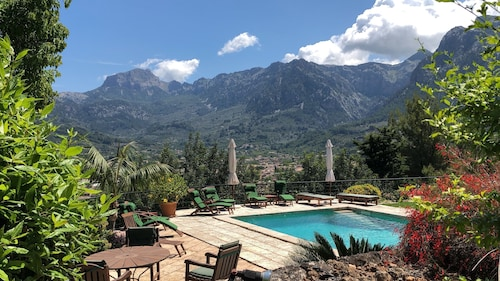 Ca'n Pons, Villa With Breathtaking Views, Wi-fi, Private Pool and Gardens #