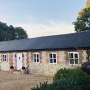 A Country Holiday Cottage Just a Stones Throw From Chichester Harbour