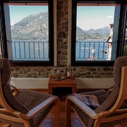 Casa Mara, Luxurious House in the Center of Varenna With Balcony Above the Lake