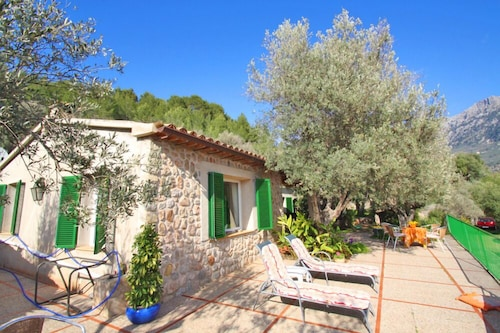 Private and Peaceful Cottage Overlooking the Mountains in Soller