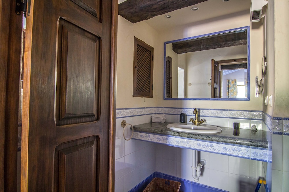 Bathroom, Luxurious finca with private infinity pool, 180° views on the Mediterranean