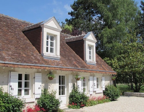 A Four Seasons/five Stars Loire Valley Cottage, Grand Chateaux Area