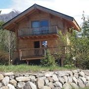 Charming Chalet With Wonderful Views of the Peaks