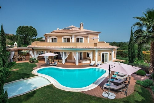 Quinta do Lago Villa, Sleeps 12 With Pool, Air Con and Wifi