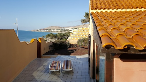 Marina Villa, ON THE SEA Front, Outstanding Views Over Calm BAY Coast