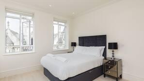3 soverom, strykejern/-brett, internettilgang og sengetøy
