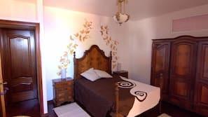 7 slaapkamers, een strijkplank/strijkijzer, internet, beddengoed