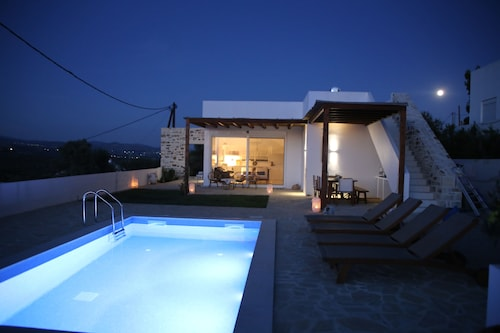 Villa in Kamilari, Heraklion and Surroundings sea and Mountain View and Private Pool