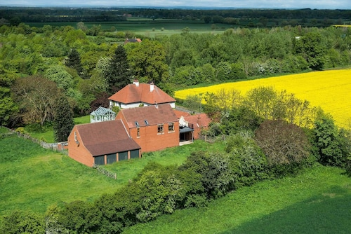 Beautiful Barn North York's.lovely Views,peaceful Surroundings yet Easy Access