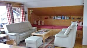 Fernseher, Bücher, Stereoanlage