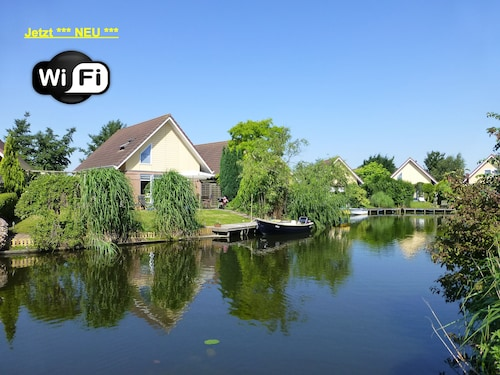 Rental Zuiderzee , Lovingly Furnished With Garden u. Jetty. Wifi!